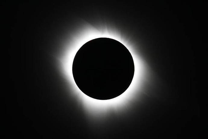 Eclipse_-8433139628385156330
