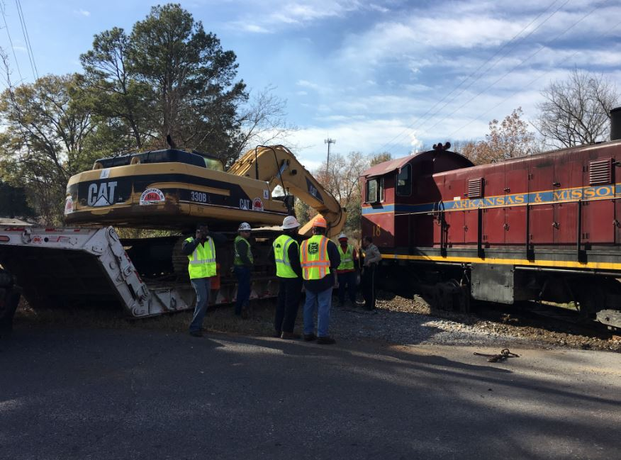 train vs 18 wheeler_1482258043801.JPG