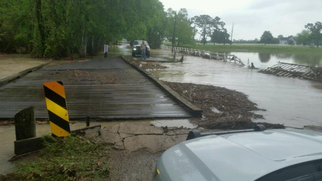 bridge washed out2_1490889183436.jpg