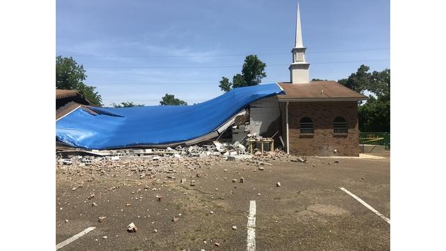 church collapse_1525386043293.jpg.jpg