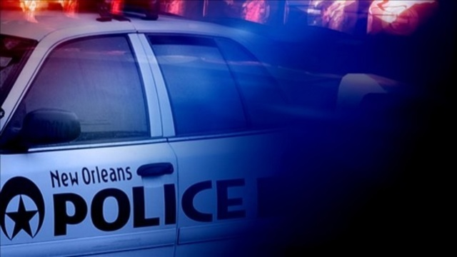new-orleans-police-lights_33790101_ver1.0_640_360_1544805012387.jpg