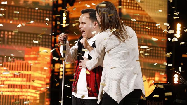 Blind autistic singer_1559108426331.jpg.jpg