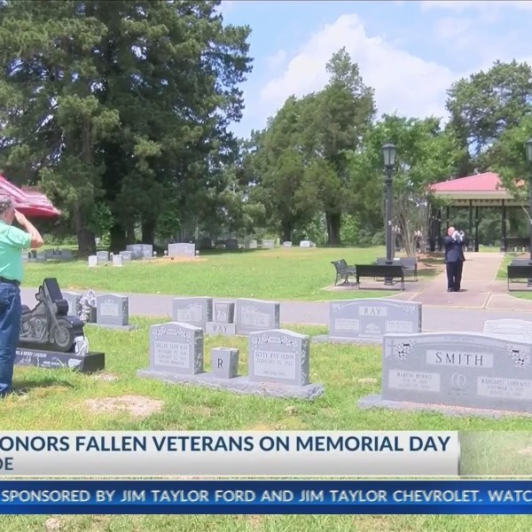 Local_man_honors_fallen_veterans_0_20190528030609