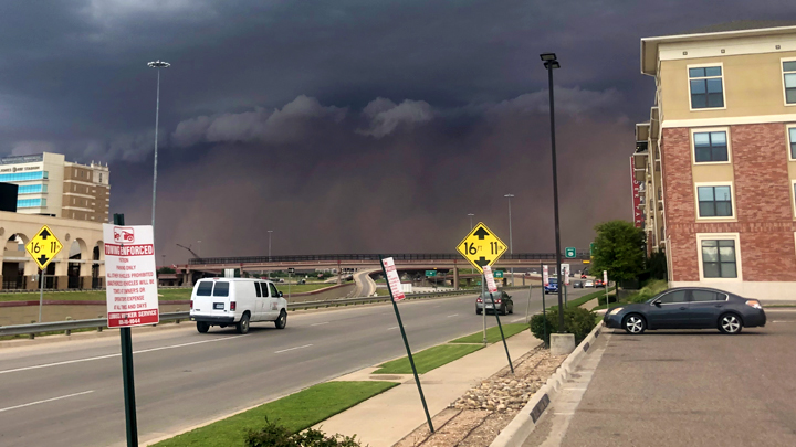 dust storm 720-54787063